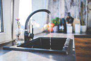 5 vinkkiä vedenkulutuksen vähentämiseen